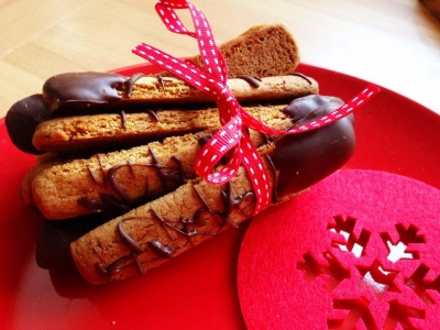 Gingerbread Dippers--The perfect, edible Christmassy gift