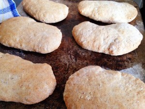 puffed upwholemeal pitas ready to eat