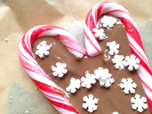 decorating-candy-cane-heart